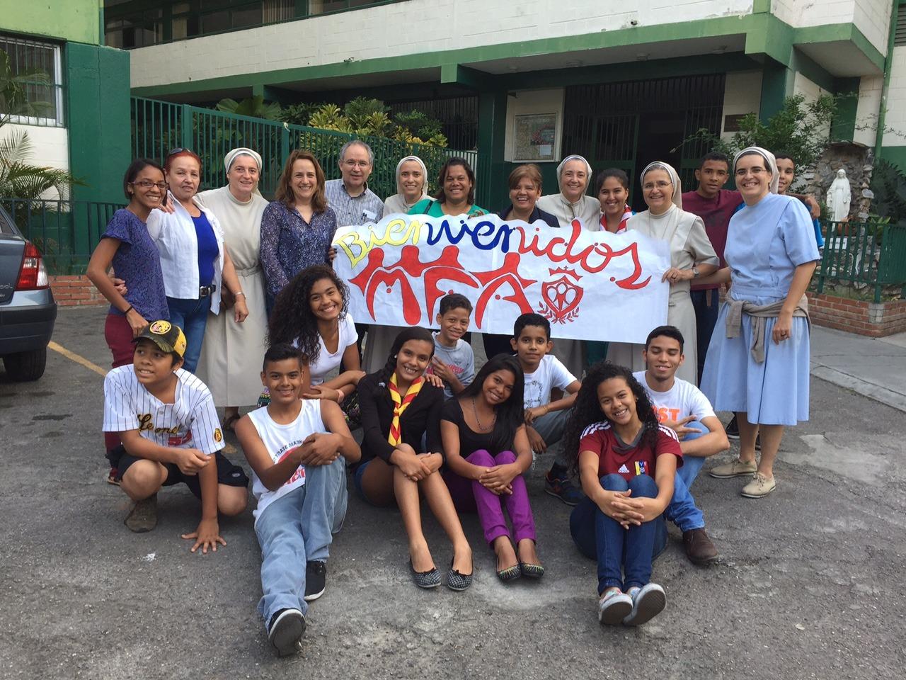 Mfa familia albertiana diario de viaje 2 caracas for Familia roca